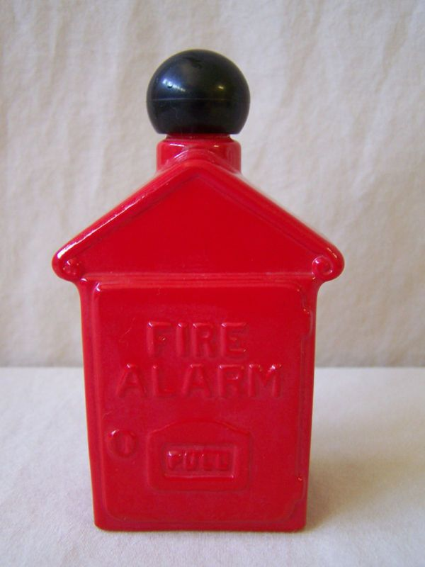 Avon Spicy After Shave Red Fire Alarm Box Bottle 4oz FL