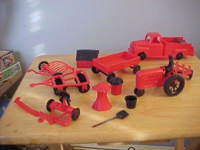 Vintage T. Cohn Superior Toy Mechanical Farm Set