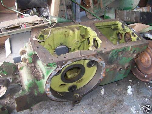 John Deere 4020 transmission case